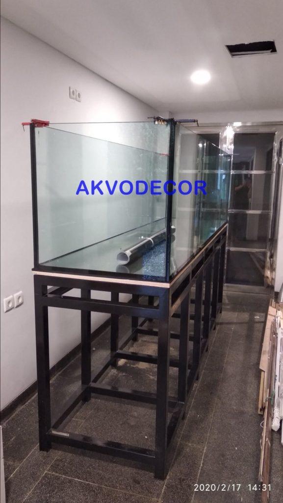 Rangka besi sebagai penopang aquarium - Projek Aquarium Air Laut de Park BSD